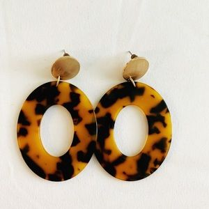 Tortoise shell statement earrings